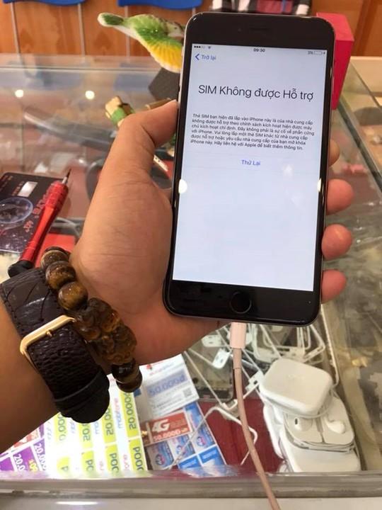 SIM ghép thần thánh 4G bị khóa trên iPhone tại VN - Ảnh 1.