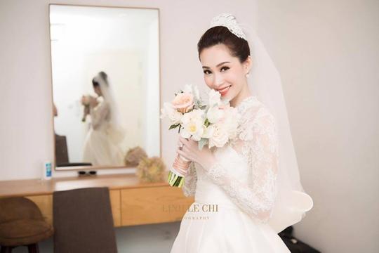 Khoảnh khắc ngọt ngào của hoa hậu Thu Thảo và chồng - Ảnh 2.