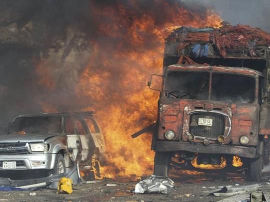 Đánh bom kép đẫm máu, gần 200 người chết - Ảnh 3.