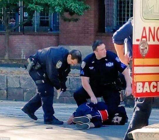 Hé lộ nhân thân kẻ khủng bố New York - Ảnh 3.