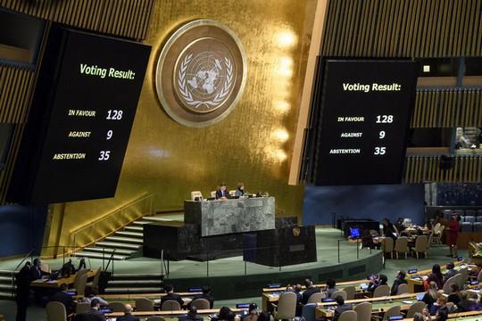 Hơn 120 quốc gia bất chấp đe dọa cắt viện trợ của