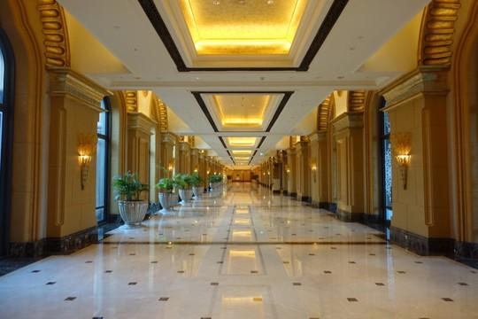Khách sạn 7 sao lộng lẫy như cung điện - Ảnh 11.