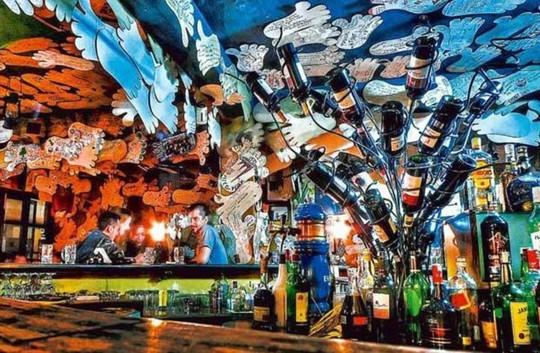Những quán bar khiến khách say cả khi chưa uống - Ảnh 12.