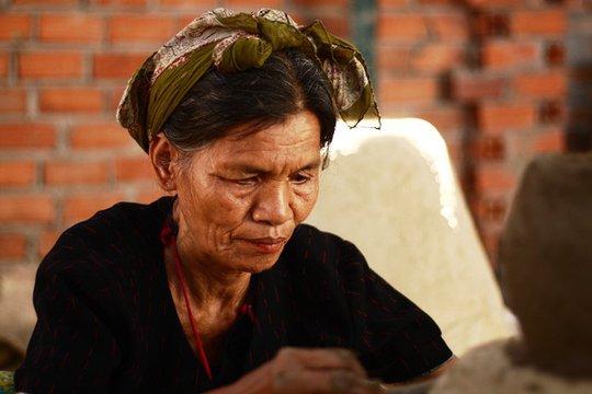 Độc đáo nghệ thuật làm gốm ở Bàu Trúc - Ảnh 12.