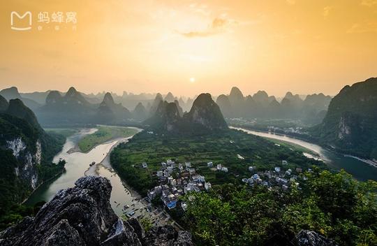 Những điểm du lịch nổi như cồn, đẹp lung linh ở Trung Quốc - Ảnh 13.