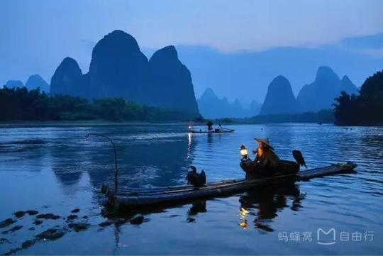 Những điểm du lịch nổi như cồn, đẹp lung linh ở Trung Quốc - Ảnh 14.