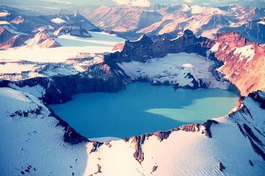 Điêu đứng trước vẻ đẹp 10 hồ núi lửa đẹp ngất ngây - Ảnh 5.