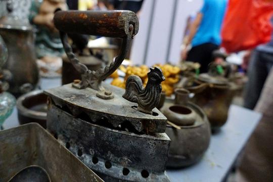 Chợ ve chai nghìn đô giữa lòng Sài Gòn - Ảnh 15.