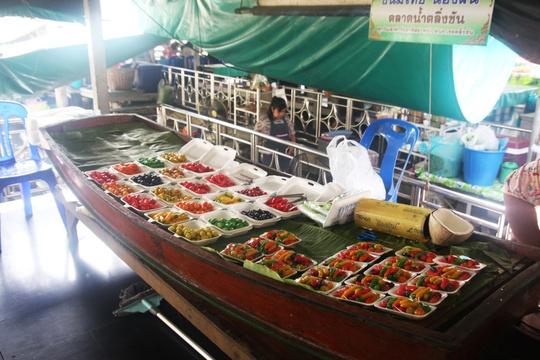 Đi chợ nổi Taling Chan ở Bangkok - Ảnh 20.