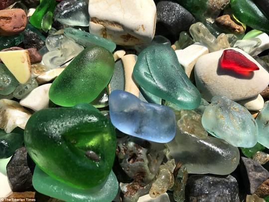 Bãi biển thủy tinh lấp lánh có nguy cơ biến mất - Ảnh 3.