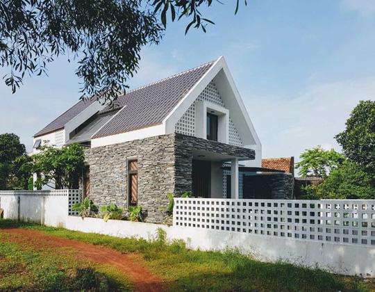 Tây cũng nghiêng mình trước ngôi nhà ở Quảng Bình - Ảnh 3.