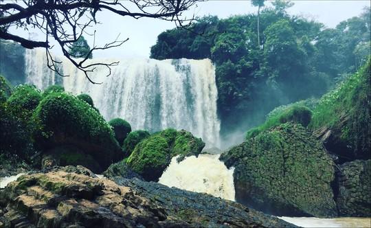 Những thác nước hùng vĩ đến khó tin ở Việt Nam - Ảnh 3.