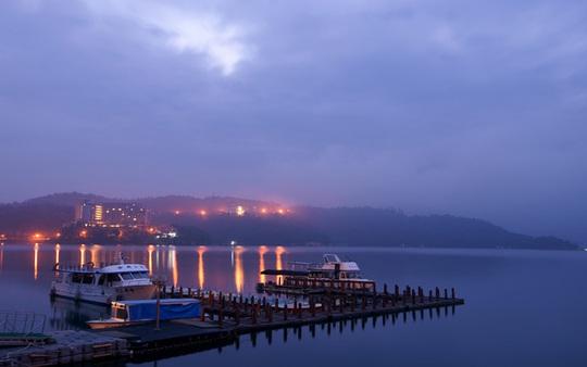 Du khách Việt tiểu bậy xuống hồ nổi tiếng Đài Loan - Ảnh 5.