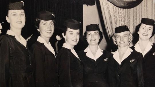 Nữ tiếp viên hàng không 81 tuổi vẫn vi vu trên bầu trời - Ảnh 4.