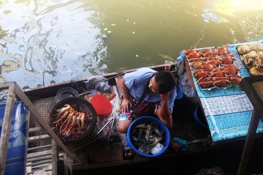 Đi chợ nổi Taling Chan ở Bangkok - Ảnh 21.