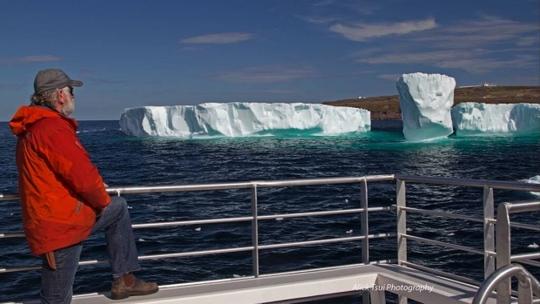 Ông Skipper Barry Rogers, chủ doanh nghiệp du lịch Iceberg Quest Ocean Tours nói ông đang đếm ngược thời gian chờ đến mùa băng trôi bắt đầu vào ngày 1-5. Ảnh: Alick Tsui