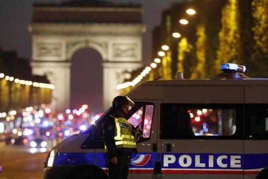 Ứng cử viên bảo thủ Francois Fillon buộc phải huỷ các hoạt động tranh cử dự kiến diễn ra vào ngày 21-4. Ảnh: REUTERS