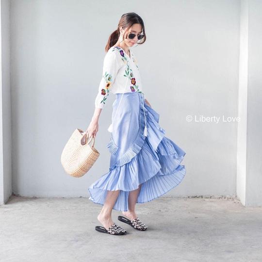 Những mẫu chân váy đáng có trong tủ áo vào dịp hè này - Ảnh 4.