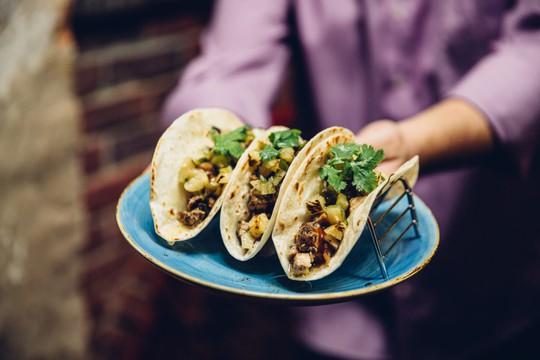 Top 10 tour du lịch ẩm thực đường phố hấp dẫn trên thế giới - Ảnh 4.