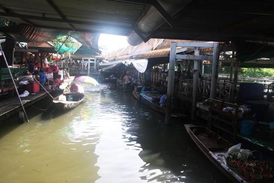 Đi chợ nổi Taling Chan ở Bangkok - Ảnh 4.