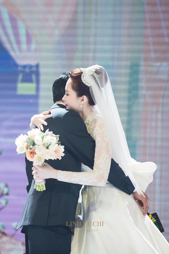 Khoảnh khắc ngọt ngào của hoa hậu Thu Thảo và chồng - Ảnh 4.