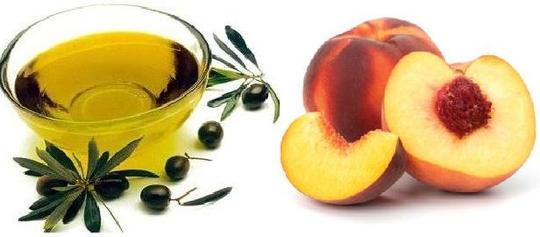 Mặt nạ quả đào và dầu ô liu giúp se khít lỗ chân lông, tăng cường độ ẩm cho làn da.