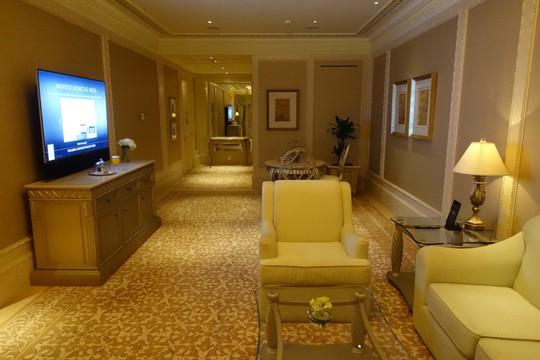 Khách sạn 7 sao lộng lẫy như cung điện - Ảnh 5.