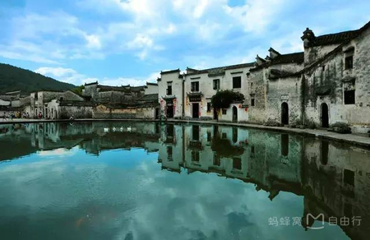 Những điểm du lịch nổi như cồn, đẹp lung linh ở Trung Quốc - Ảnh 5.