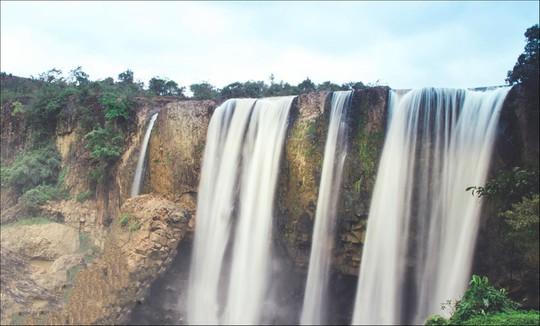 Những thác nước hùng vĩ đến khó tin ở Việt Nam - Ảnh 5.