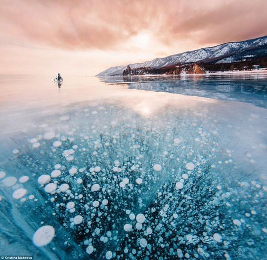 Những hồ nước kỳ lạ trên thế giới - Ảnh 6.