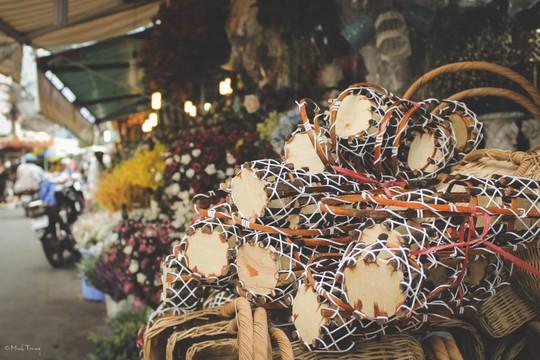 Sắc màu bình dị tại chợ hoa lớn nhất Sài Gòn - Ảnh 6.