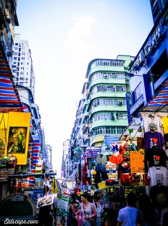 Chợ Quý Bà, thiên đường mua sắm hàng hiệu giá rẻ ở Hồng Kông - Ảnh 2.