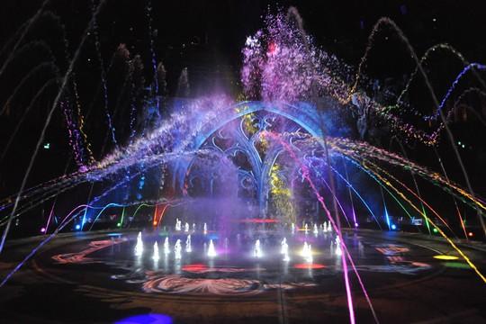 Bí mật đằng sau màn biểu diễn nước lớn nhất thế giới ở Macau - Ảnh 6.