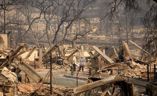 Dòng sông rượu vang sôi sùng sục sau cháy rừng ở California - Ảnh 6.