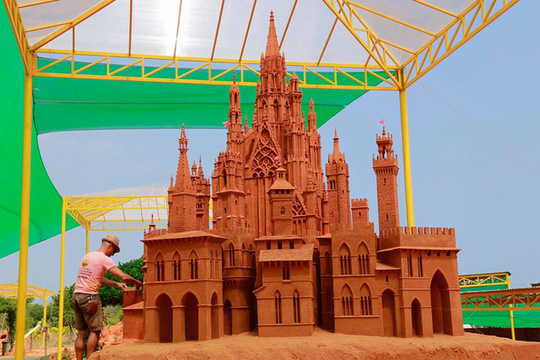 Phan Thiết có Công viên tượng cát đầu tiên trên thế giới - Ảnh 7.