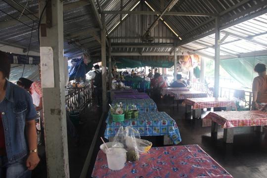 Đi chợ nổi Taling Chan ở Bangkok - Ảnh 7.