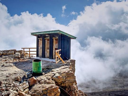 Kinh ngạc với 16 nhà vệ sinh có thiết kế ấn tượng nhất trên thế giới - Ảnh 7.