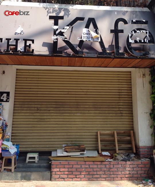 Một người dân sống gần đó cho biết The KAfe tại 34 Lê Lợi đã đóng cửa được khoảng 3-4 tháng.