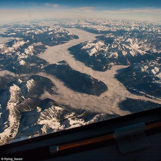 Ảnh châu Âu từ trên cao cực đẹp do phi công chụp từ buồng lái máy bay - Ảnh 8.