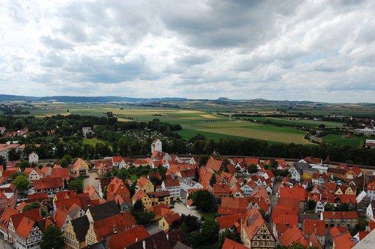 Thị trấn được bao phủ bởi 72.000 tấn kim cương - Ảnh 3.