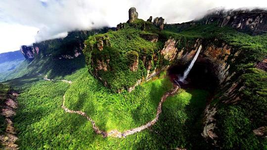 Những quốc gia đẹp như thiên đường hạ giới - Ảnh 9.