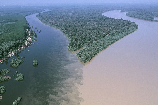 10 hợp lưu sông hùng vĩ trên thế giới - Ảnh 10.