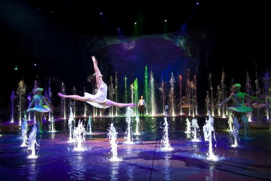 Bí mật đằng sau màn biểu diễn nước lớn nhất thế giới ở Macau - Ảnh 10.