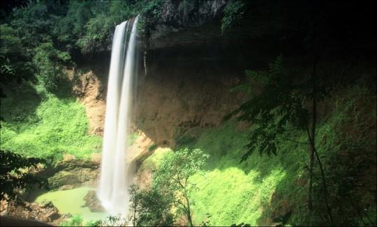 Những thác nước hùng vĩ đến khó tin ở Việt Nam - Ảnh 10.