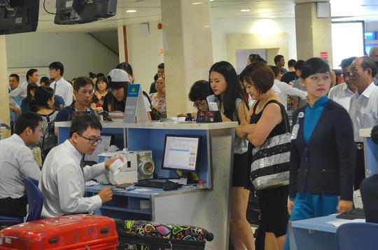 Nhu cầu đi lại tăng cao dịp lễ nhưng giá vé máy bay không có dấu hiệu nóng sốt. Ảnh: Tấn Thạnh