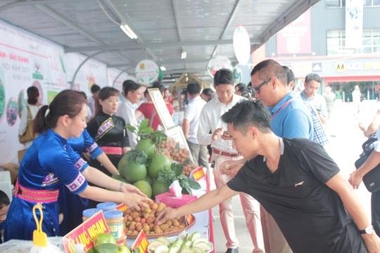 Lần đầu tiên, Big C xuất vải thiều sang Thái Lan - Ảnh 1.