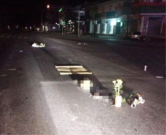 Bàng hoàng phát hiện 1 phụ nữ chết lõa thể giữa đường - Ảnh 1.