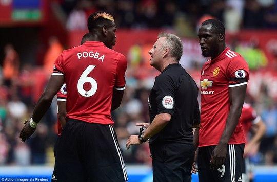 Ghi bàn hủy diệt, hàng công Man United vẫn bị chỉ trích - Ảnh 4.