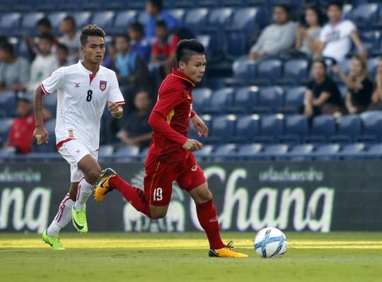 Quang Hải có hai đề cử Quả bóng Vàng 2017 - Ảnh 1.