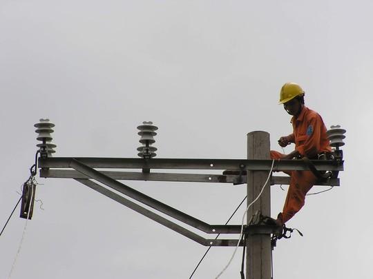 Chuyên gia kinh tế nói gì về đợt tăng giá điện? - Ảnh 1.